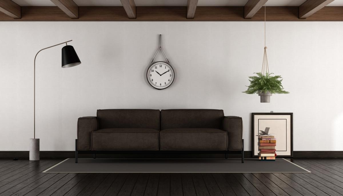 Najbezpieczniejsze połączenie to brązowe meble i jasne ściany