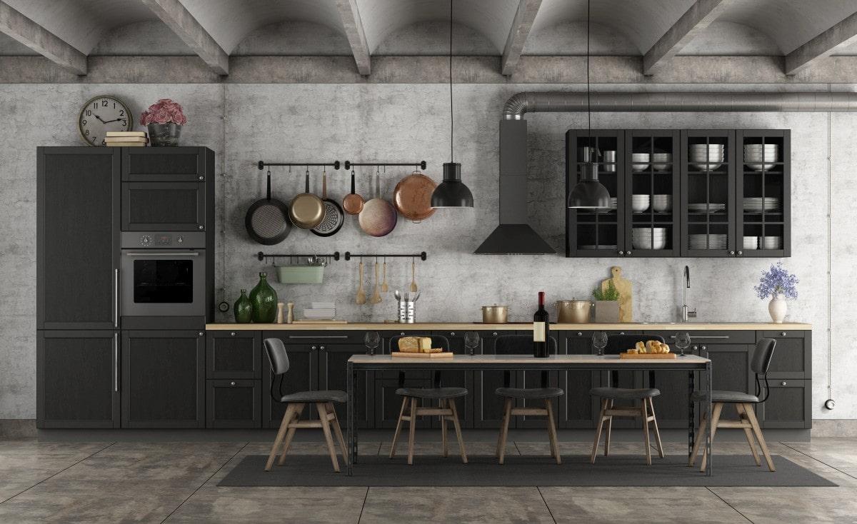 Dostojna czarna kuchnia o charakterze retro