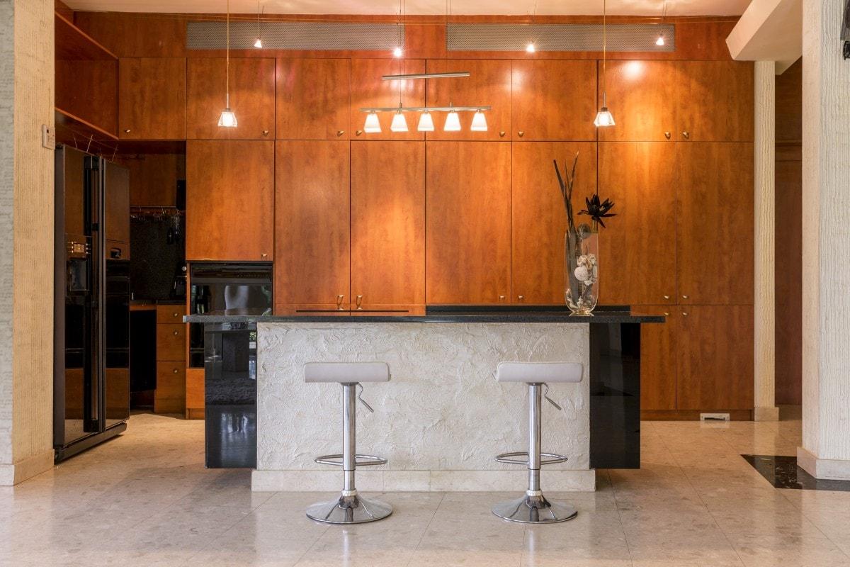 Imponująca zabudowa kuchenna do luksusowego wnętrza