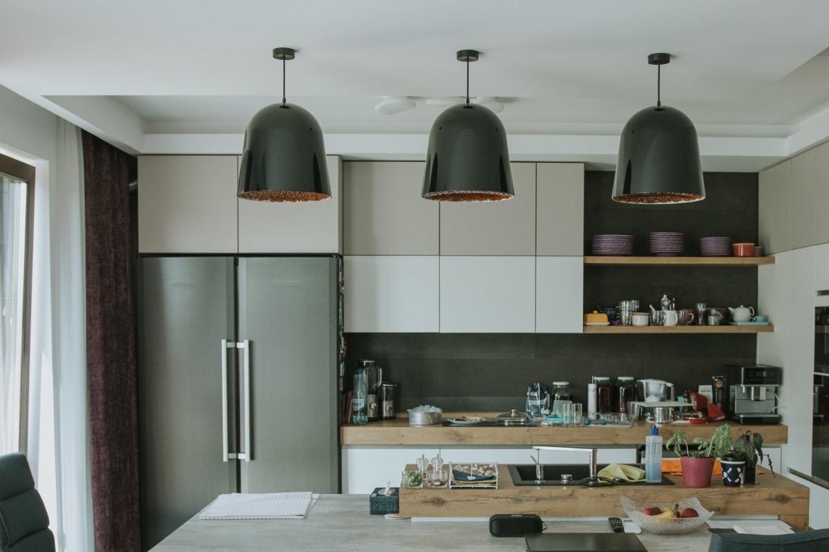 Kuchnia połączona z salonem pozwala na spędzanie większej ilości czasu wspólnie z rodziną