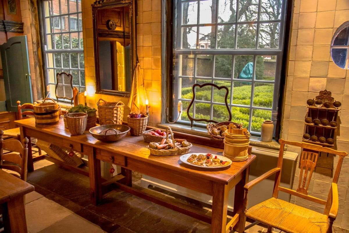 Kuchnia rustykalna w historycznym budynku, Niderlandy