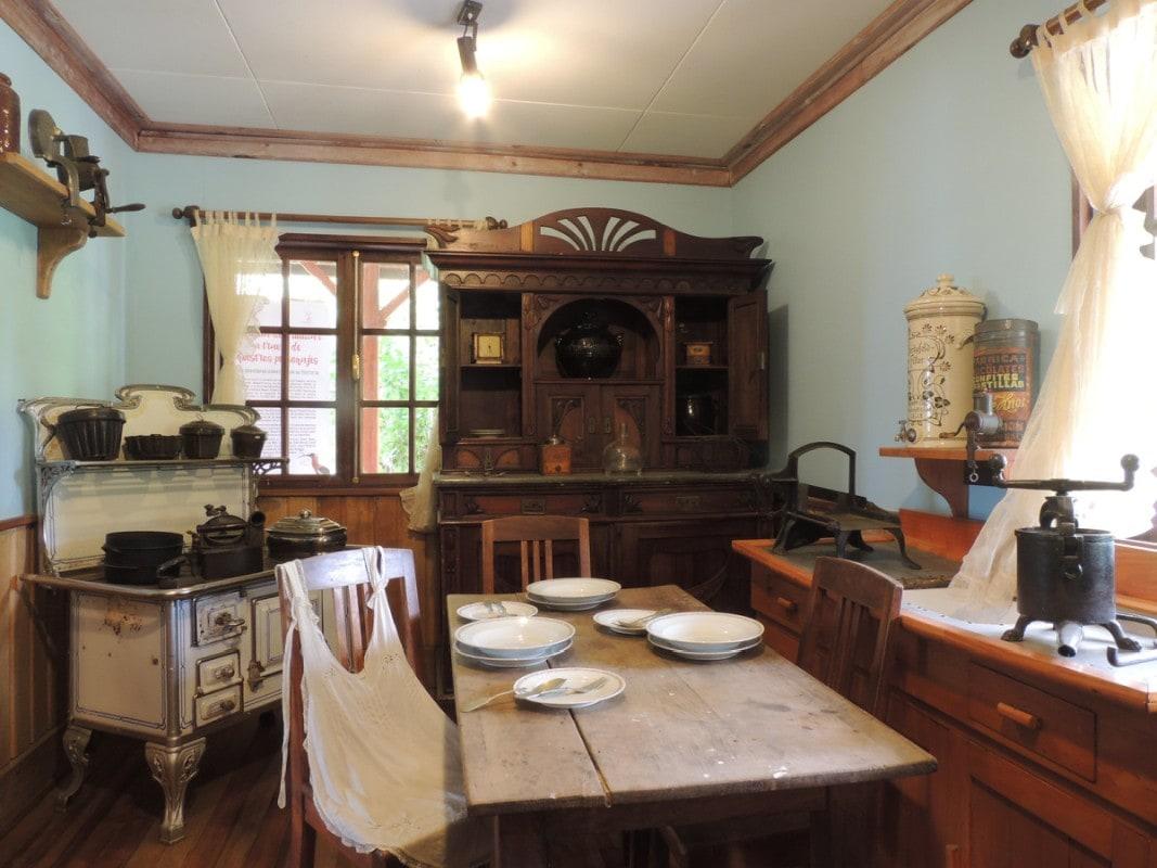 Kuchnia rustykalna jak z poprzedniej epoki