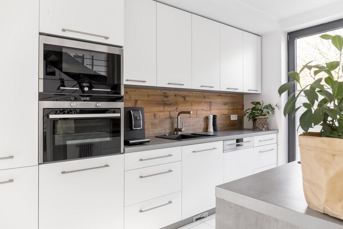 Rośliny – obowiązkowy element kuchni w stylu skandynawskim!