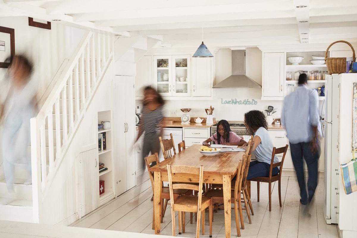 Kuchnia połączona z salonem to gwarancja, że dom będzie tętnił życiem!