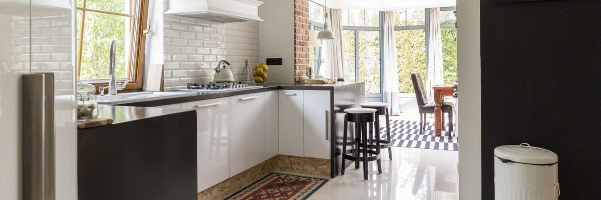 Mała kuchnia często jest częścią większej przestrzeni