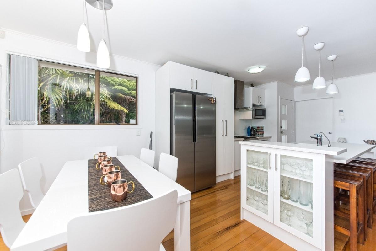 Wystrój salonu i kuchni utrzymany w tej samej stylistyce daje wrażenie ładu i harmonii
